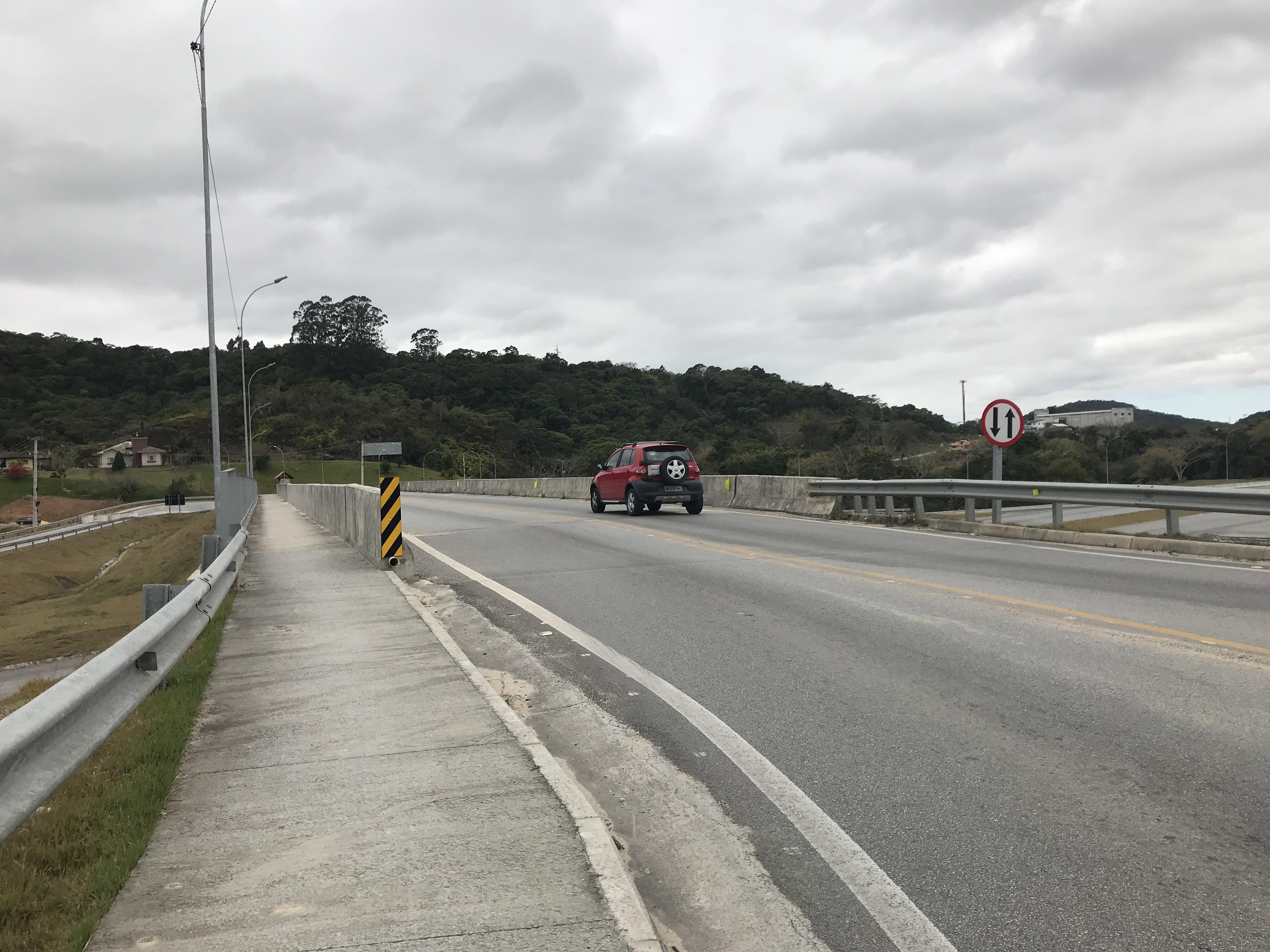 Contorno Florianópolis - Calçada e Meio Fio