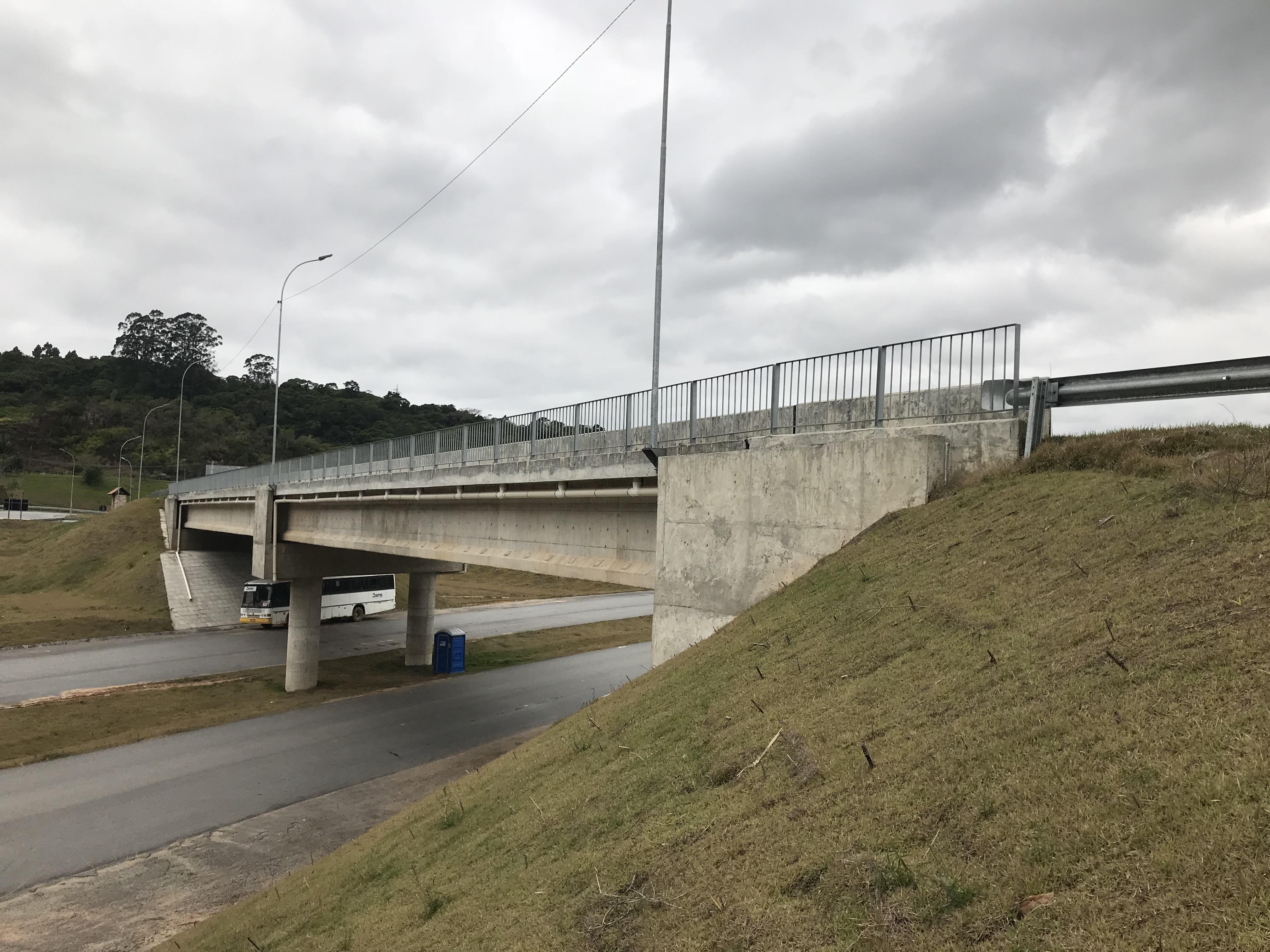 Contorno Florianópolis - PSU km 215+380 - Obra Pronta