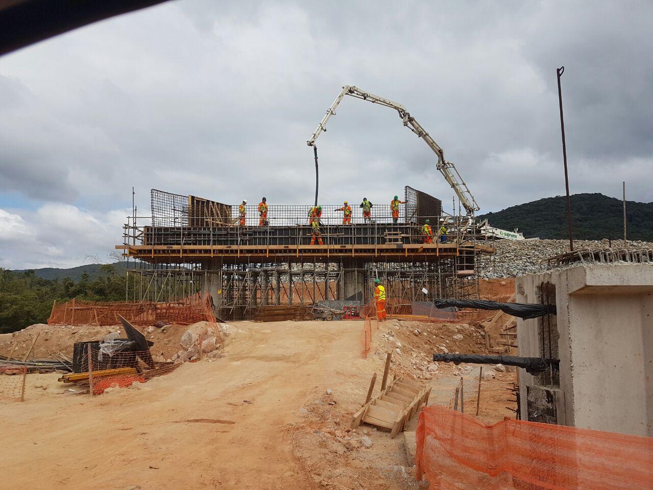 Contorno Florianópolis - PSU km 215+380 - Travessa