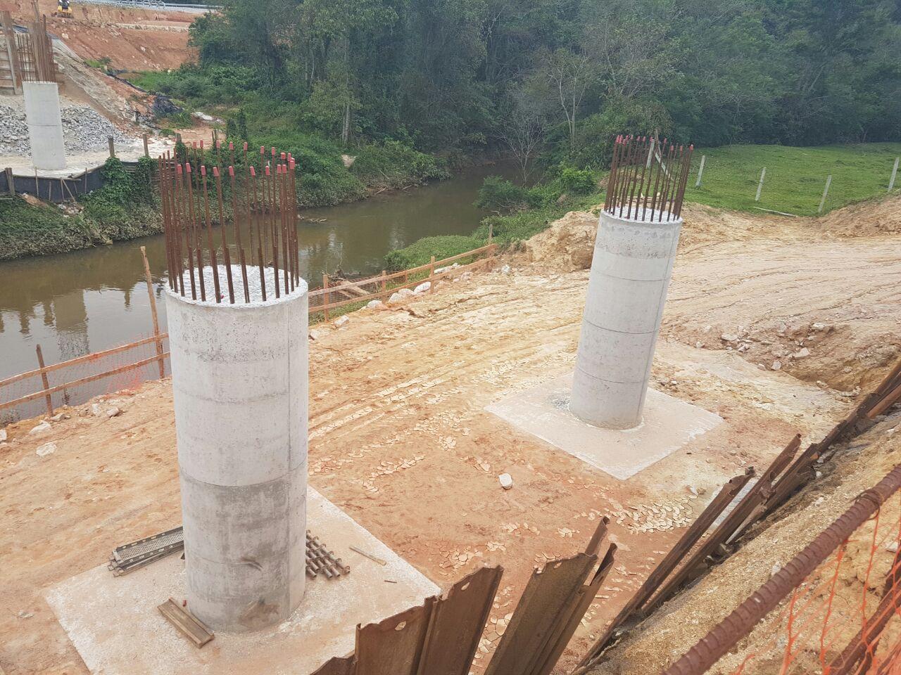 Contorno Florianópolis - Ponte Maruim Km 215+540 - Aço Bloco-Travessa