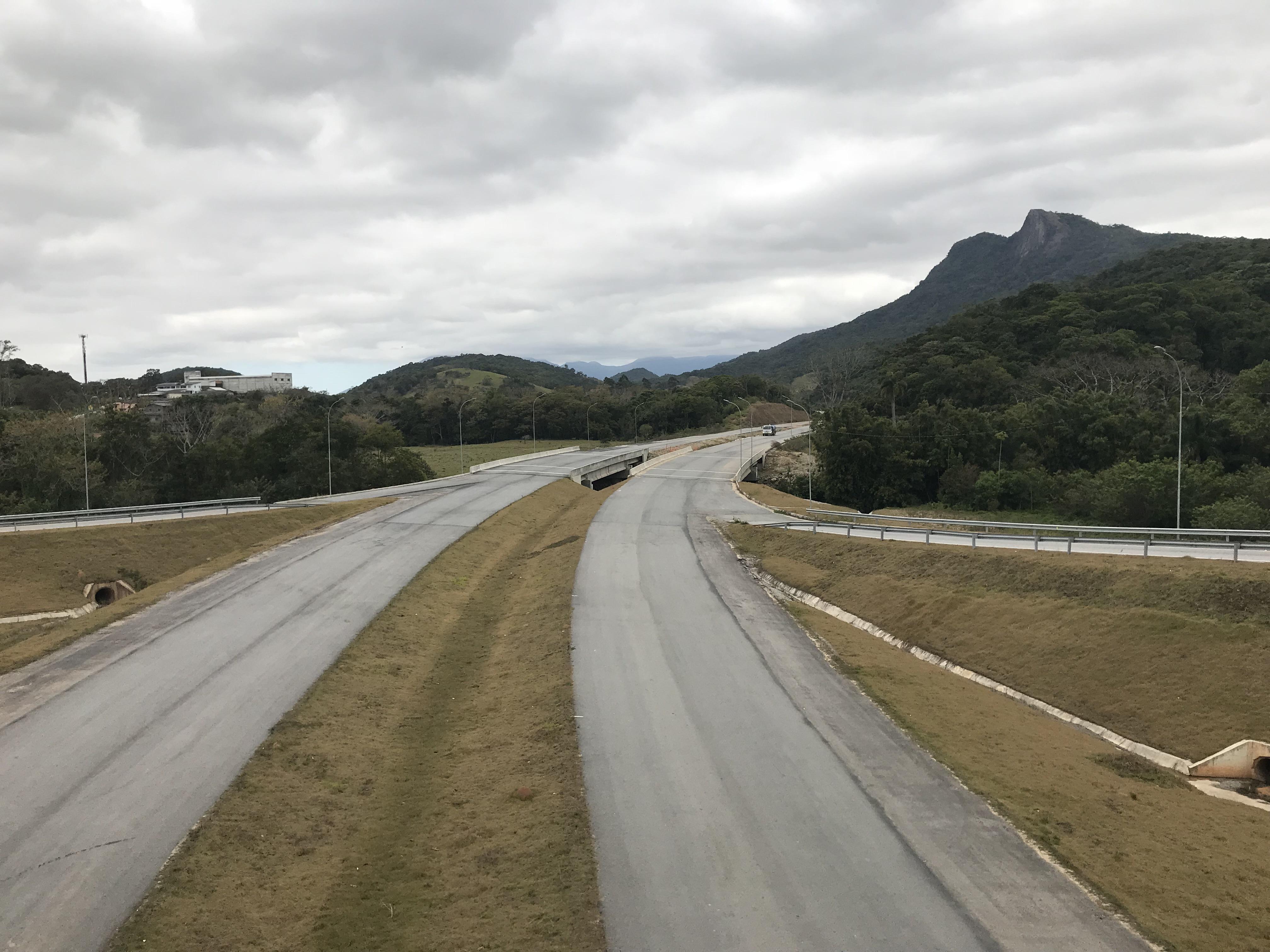 Contorno Florianópolis - Ponte Maruim Km 215+540 - Obra Pronta